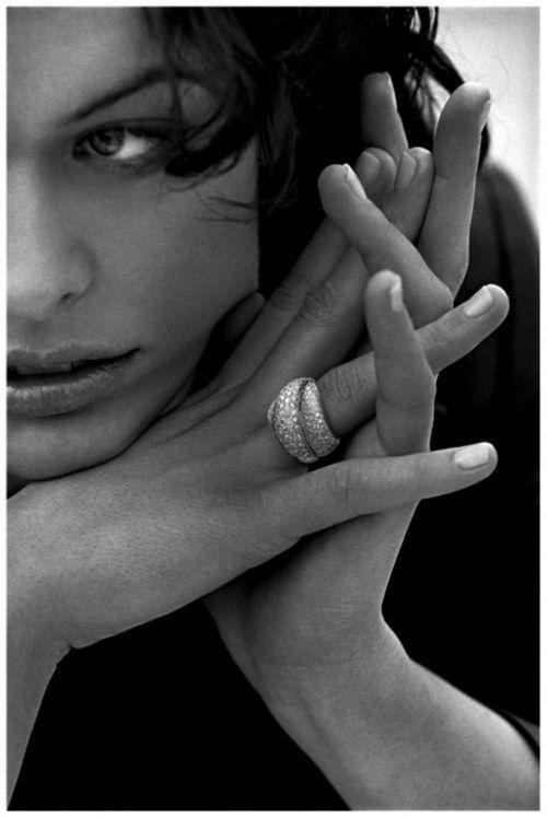 Peter Lindberg - Milla Jovovich: Mila Jovovich, Peter O'Toole, Faces, Peter Lindbergh, White, Milla Jovovich, Photography, Black