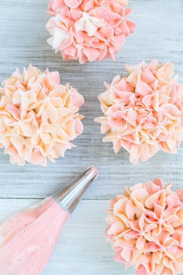 How to Frost Hydrangea Cupcakes from /sugarandcharm/                                                                                                                                                                                 More