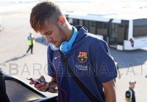 Neymar tem estreia confirmada para amistoso do Barça na Polônia. A previsão é que Neymar atue por poucos minutos no amistoso na Polônia. Leia mais em: http://noticias.bol.uol.com.br/ultimas-noticias/esporte/2013/07/30/neymar-tem-estreia-confirmada-para-amistoso-do-barca-na-polonia. Leia mais em: http://noticias.bol.uol.com.br/ultimas-noticias/esporte/2013/07/30/neymar-tem-estreia-confirmada-para-amistoso-do-barca-na-polonia.htm. eM 30/07/2013.
