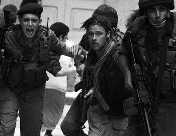 """Το αναμενόμενο blockbuster """"World War Z"""", μια δυστοπική ταινία τρόμου, στην οποία εξιστορείται η περιήγηση του Gerry Lane, στο ρόλο ο Brad Pitt, που εργάζεται τον ΟΗΕ, σε έναν κόσμο που απειλείται με αφανισμό από"""