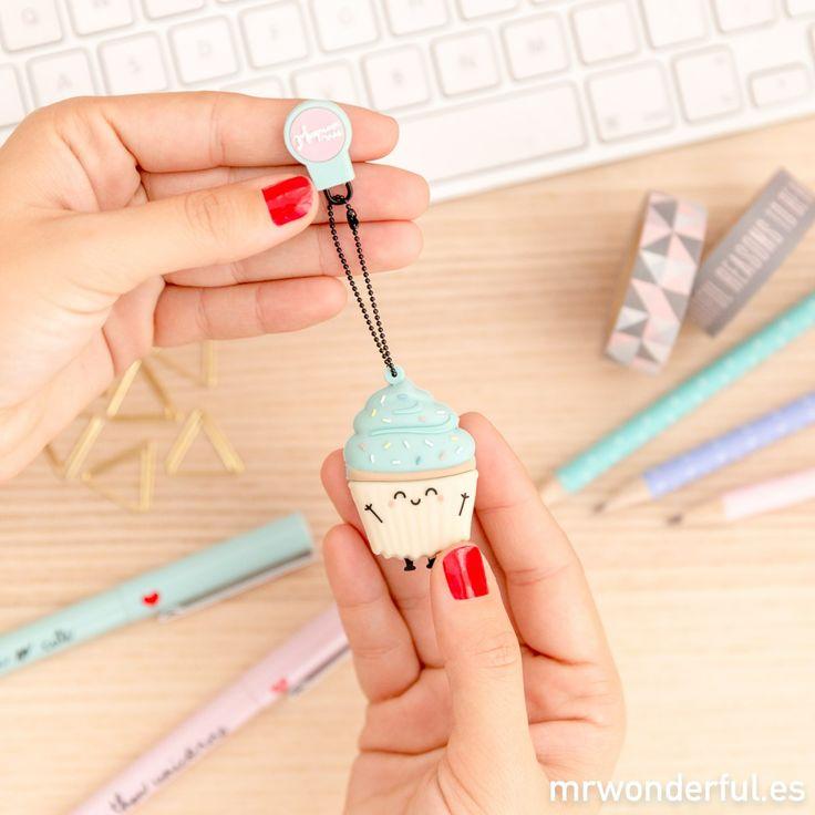 Memoria USB - Madalena. Te presentamos el USB en forma de cupcake más cuco, más adorable y más dulce del mundo entero. #mrwonderfulshop #usb