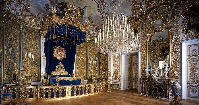 Bedroom In 2020 Linderhof Palace Castle Bedroom Fairytale Castle