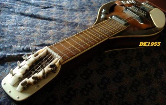 Antiguo Lap Steel Vox 8 Cuerdas Años 70 De Luthier Morgan   http://www.alamaula.com/capital-federal/instrumentos-musicales/antiguo-lap-steel-vox-8-cuerdas-anos-70-de-luthier-morgan/988090