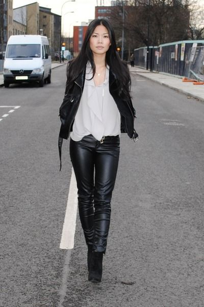 #whiteblouse #leatherjacket