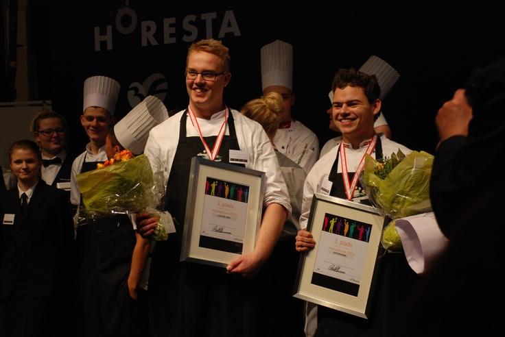 De glade vindere af bronze til DM for kokkeelever: Klaus Ladeby (t.v.) og Kristoffer Ringsing.