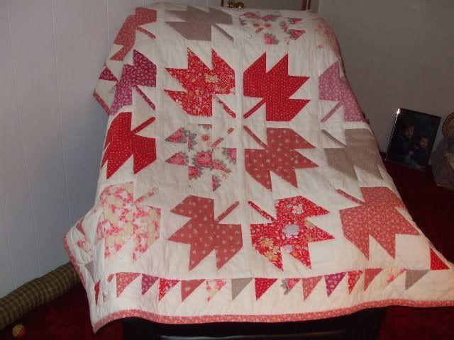 Leaves lap quilt