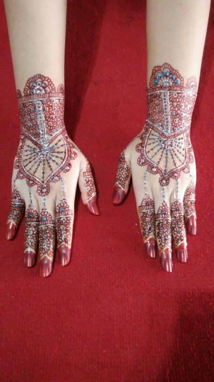 Henna + gliter untuk resepsi