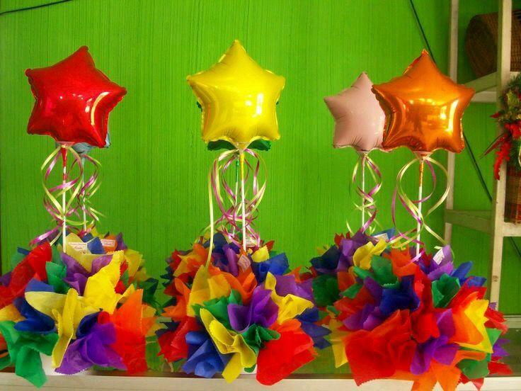 Centro de mesa con globo met lico charlie los n meros for Pedestales metalicos para mesas