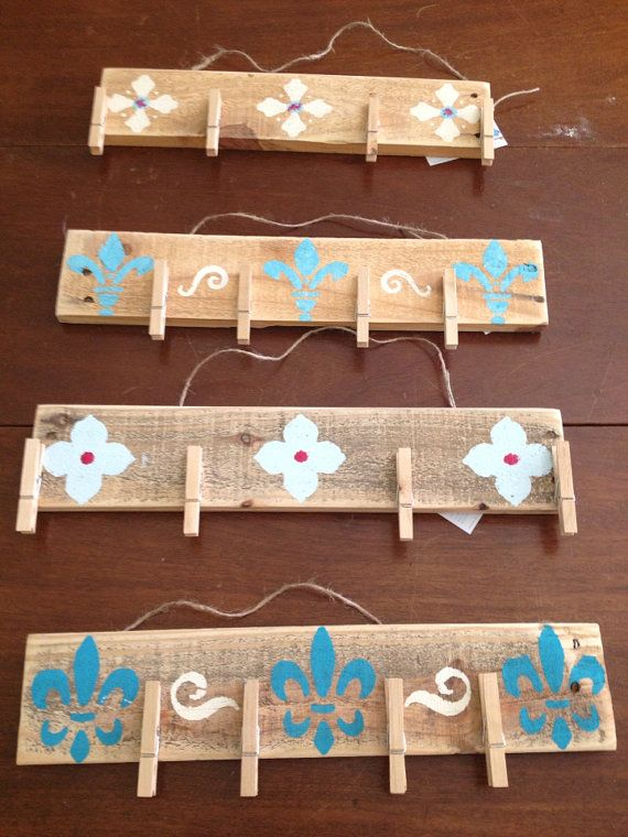 Reclaimed Pallet Wood Art Clip Board Display