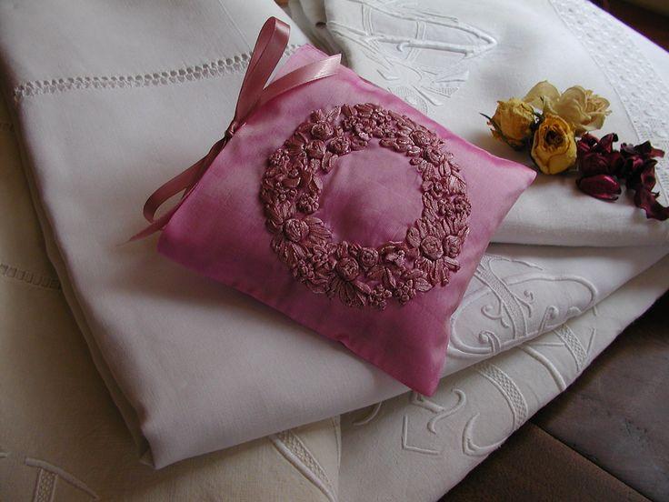 2 Superbes coussins de lavande en taffetas de soie de couronnes de fleur
