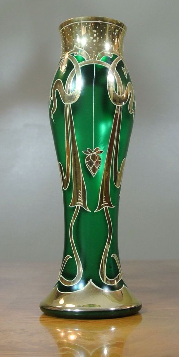 #Art Nouveau green vase@tracypillarinos#