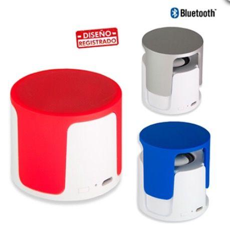 Parlante Bluetooth Plástico de 3 Vatios. Tipo de Producto: IMPORTADO.  Medidas: 5 cm x 5.8 cm diámetro. Área de Marca: 2.5 cm x 2 cm. Técnica de Marca: Tampografía Colores Disponibles: Blanco/Azul, Blanco/Rojo y Blanco/Silver.  Estado del producto:  Cantidad Mínima de Pedido:5