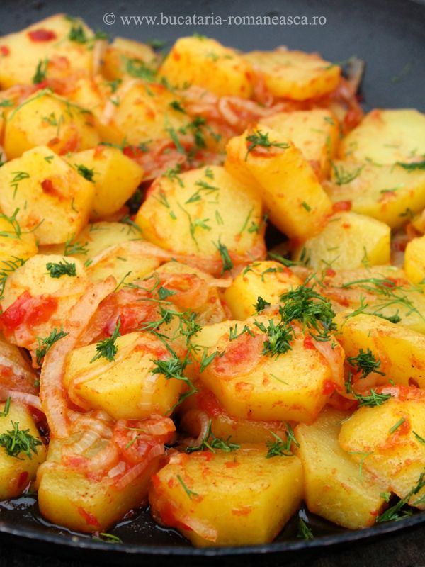 Cartofi in sos de rosii!