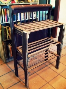 Up-cycled crib rails Drying rack/ cooling rack depending on the room.  Ooh yes, adorable and very functional!