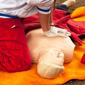 PROVIDE CARDIOPULMONARY RESUSCITATION CPR Refresher Perth - http://www.sig.edu.au/courses/security-courses/hltaid001-provide-cardiopulmonary-resuscitation-cpr/