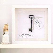 The key to a happy marriage...de sleutel tot een gelukkig huwelijk (of personaliseren: tot succes enz)
