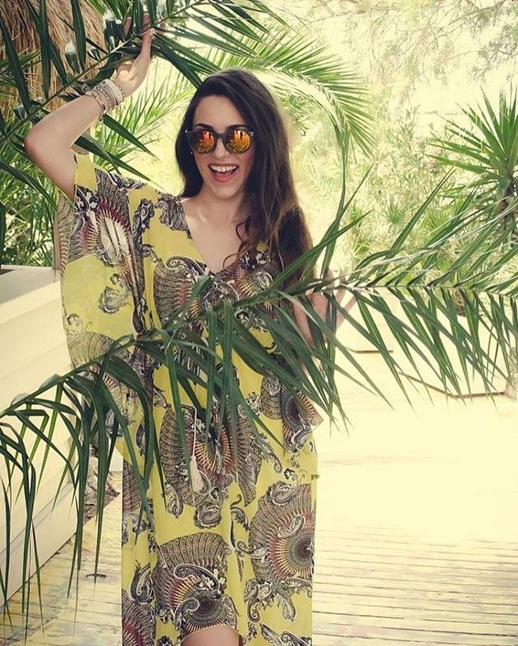Come play in my jungle  #lovefashiongr #fashionblogger #greekblogger #sessile #scapeswear #kaftandress #yellow #paisley #labanane #streetstyle