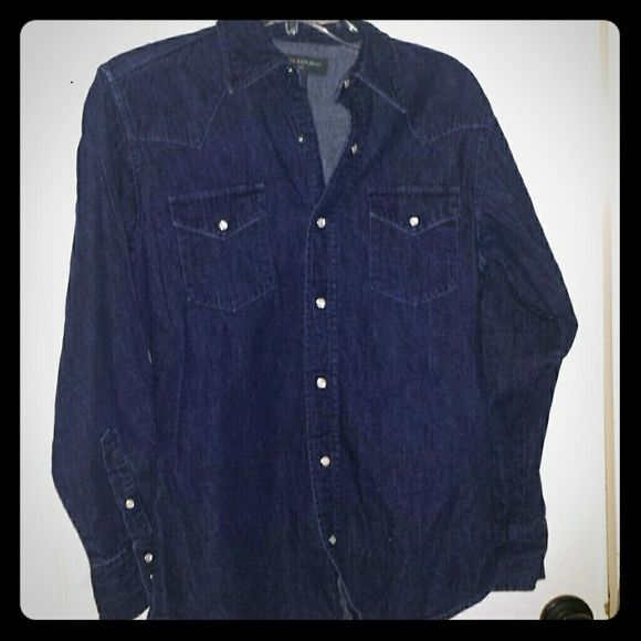 Channel121 Banana Republic insurance WEEKEND SALE its got mother of pearl buttons snaps its in great condition I've had it for a while but used it a couple of times but its in great condition the same dark blue that I got it may be a little bit faded but not much 100%cotton Banana Republic Tops Button Down Shirts
