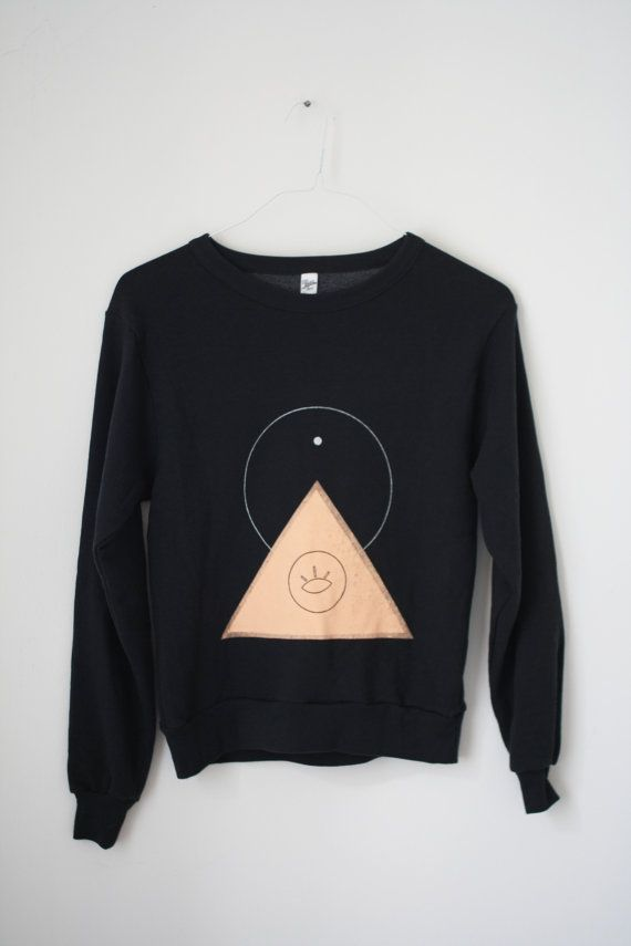 s / THE PYRAMIDEYE  N1  /  new age drop shoulder by theholybunch, €58.00