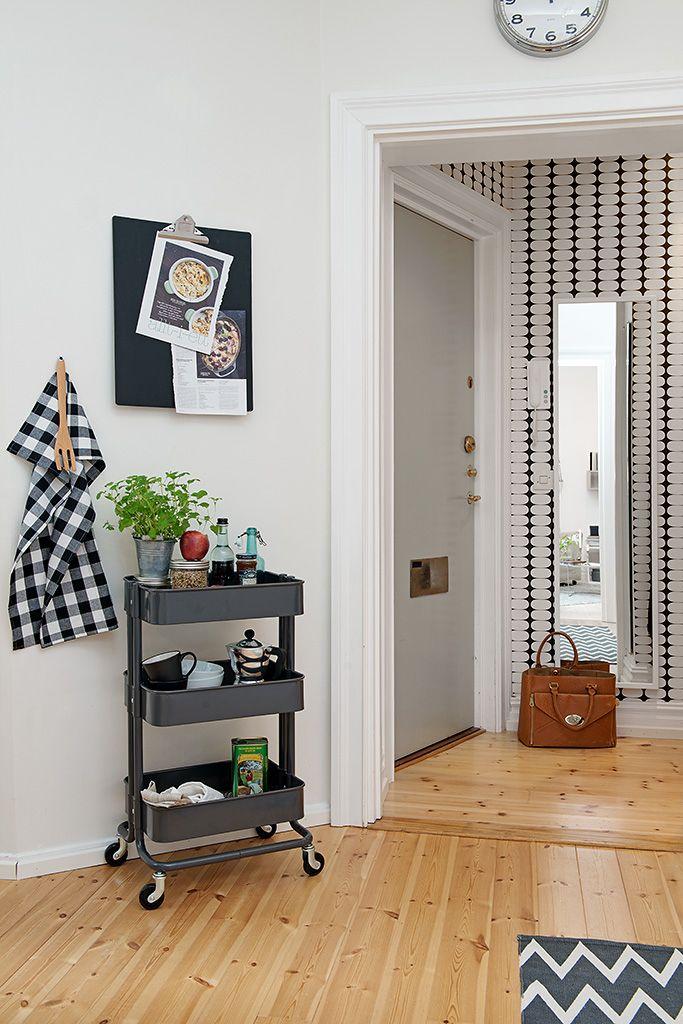 17 best images about ikea raskog cart on pinterest ikea hacks ikea pantry and game night snacks. Black Bedroom Furniture Sets. Home Design Ideas