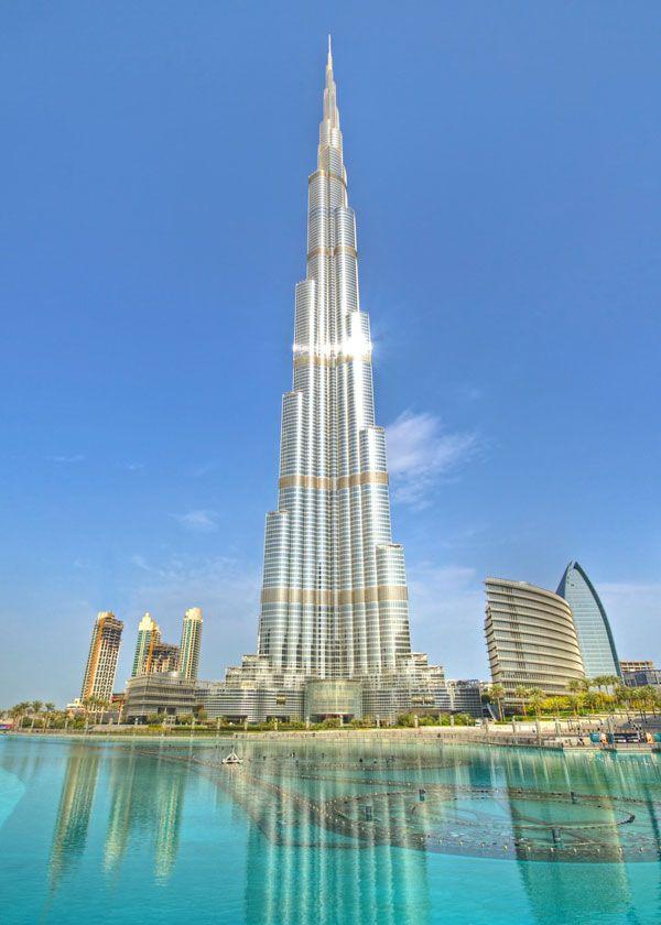 mit 828 Metern Höhe das höchste Gebäude der Welt: Burj Khalifa in Dubaikostete 1,5 Milliarden ...                                                           Burj Khalifa, Architekten: Skidmore, Owings / Merril    Foto: Colin Capelle