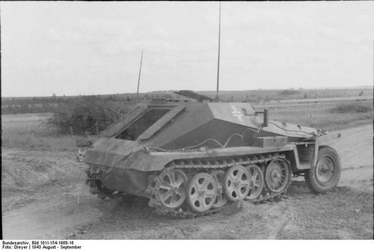 A SdKfz 252 armored ammunition carrier was based on the Sdkfz 250 halftrack chassis and built by Demag