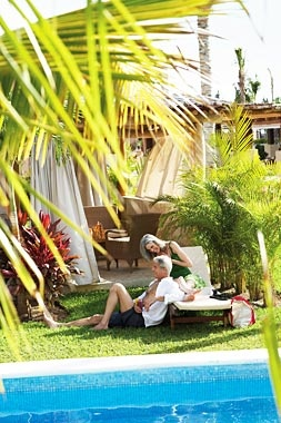 Romance at the pool  #Mexico #Holidays #Packages