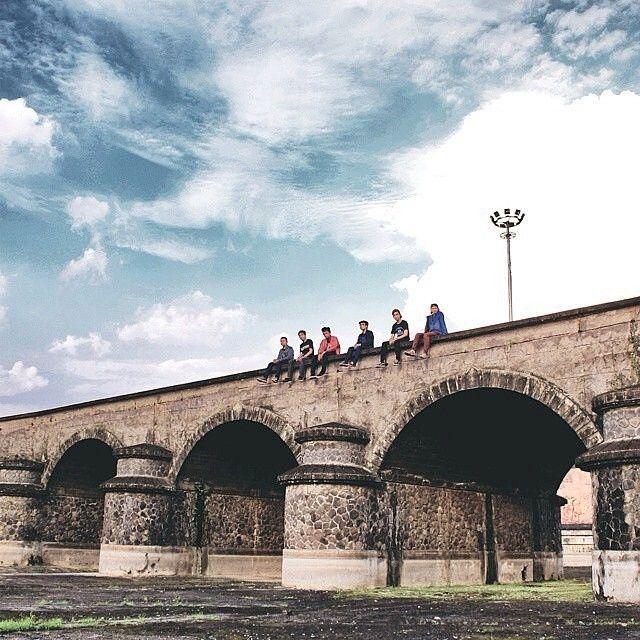 astonishing picture by #bandungphotographer @indfirmanm    taken at: Taman Makam Pahlawan    wanna get reposted here? tag @bandungphotographer and dont forget to use  #bandungphotographer   #photographerbandung #pengenkebandung #pengentraveling #indonesiaphotographers #fotograferbandung #bandungjuara #bandung #photographer #photooftheday #katabandung #rindubandung
