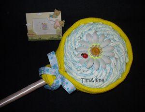 Торт из памперсов - подарок для новорожденного