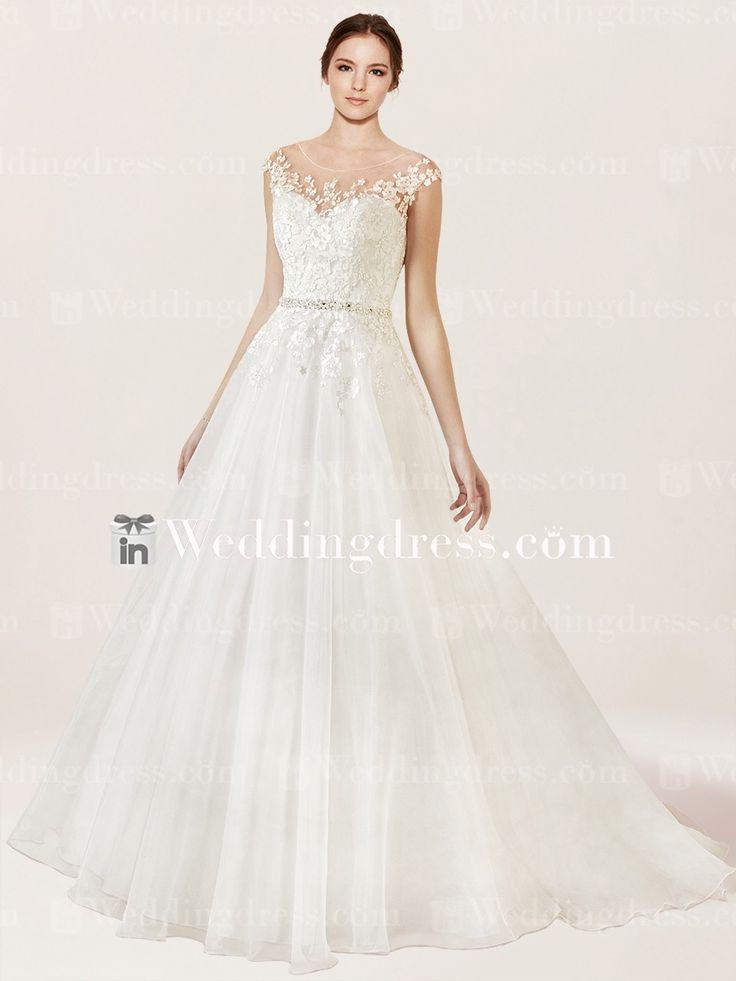The 25+ best Unusual wedding dresses ideas on Pinterest   Wedding ...