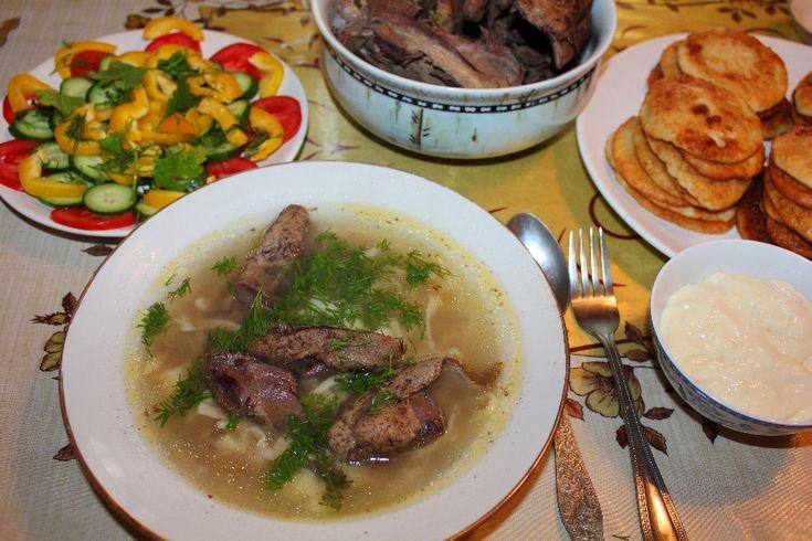 Суп из утки с домашней лапшой и оладьи