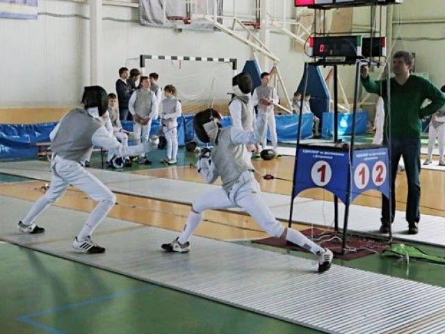 Юные саблисты из Арзамаса заняли первое место на Всероссийском турнире «Острые клинки». >>> Команда из Арзамаса заняла первое место на турнире по фехтованию, который проходил в Дзержинске с 5 по 7 мая. #83147ru #Арзамас #Дзержинск #спорт #турнир Подробнее: http://www.83147.ru/news/2916