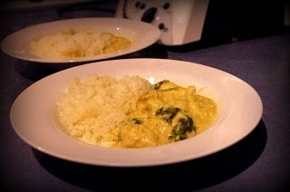 Chicken Cashew Curry with Cauliflower Rice.  In the thermomix.