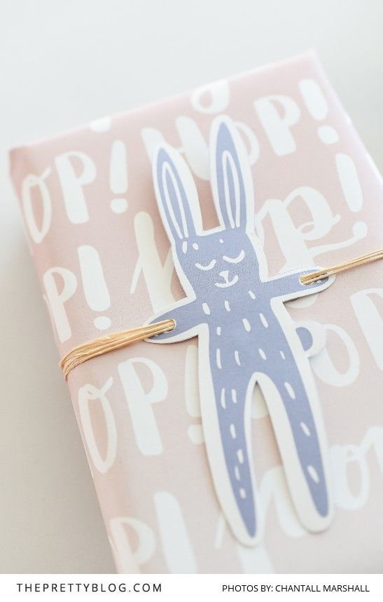 Easy DIY printables to make gift wrapping that much easier! | Photography by Chantall Marshall | Designs by Seven Swans