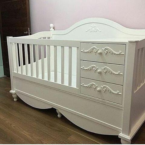 Tempat Tidur Bayi Ukiran Mewah 3 laci