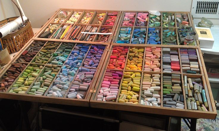 Paula Ford's pastel boxes filled with Mount Visions, Terry Ludwigs, and other assorted soft pastels....