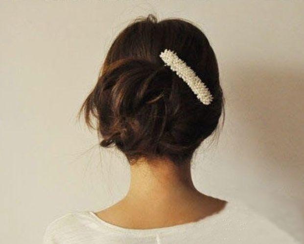 ラフなシニヨンですが、髪飾りをつければ、パーティ使用にもなります♪