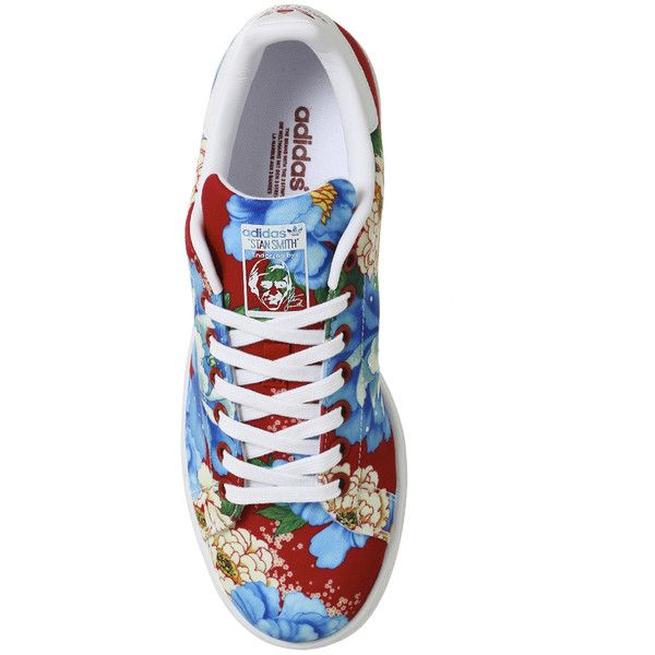 Adidas Stan Smith Trainers Power Red Floral ($91) ❤ liked on Polyvore featuring shoes, sneakers, adidas trainers, adidas, red shoes, flower pattern shoes and floral printed shoes