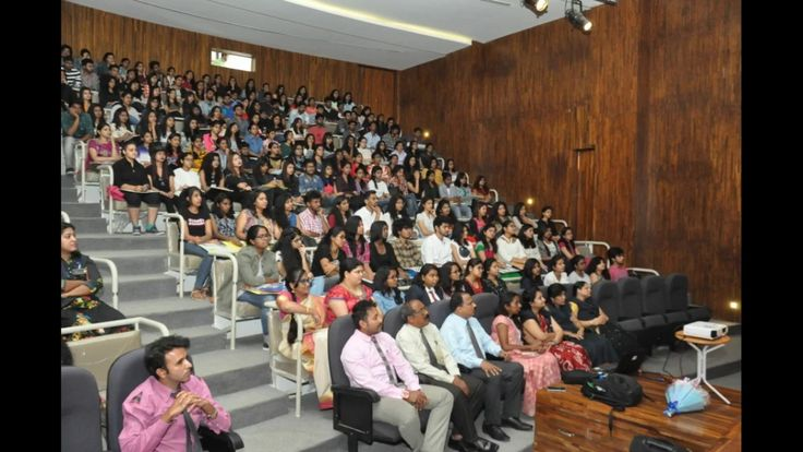 VIFT had organised an International workshop on 3.3.17, conducted by Mrs. Buddy Penfold, Head of International of Arts, Design and Humanities for De Montfort Unversity, UK. The specialized workshop gave the students an insight into being a creative designer and exposure to international collections and portfolios.