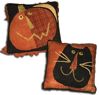 Fall Maggie pillow pattern at Blackberry Primitives.