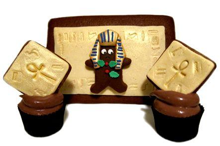 Egyptian Christmas Gingerbread Man Cupcake