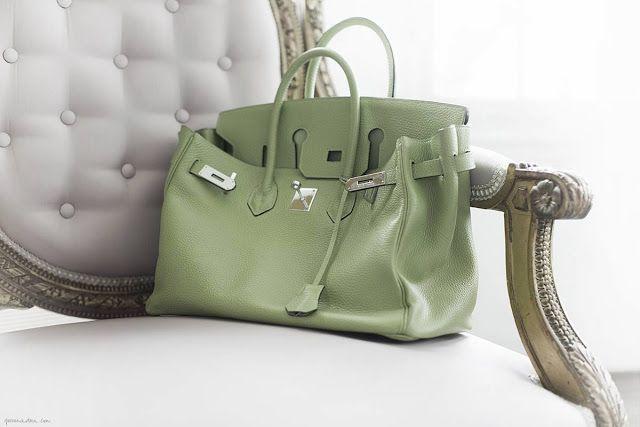 Delightful birkin . . . green pale color !
