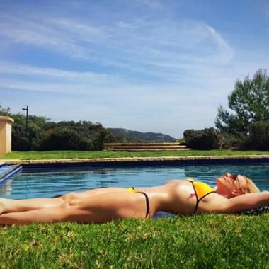 Britney Spears Posted Herself In A Bikini On Facebook #photo