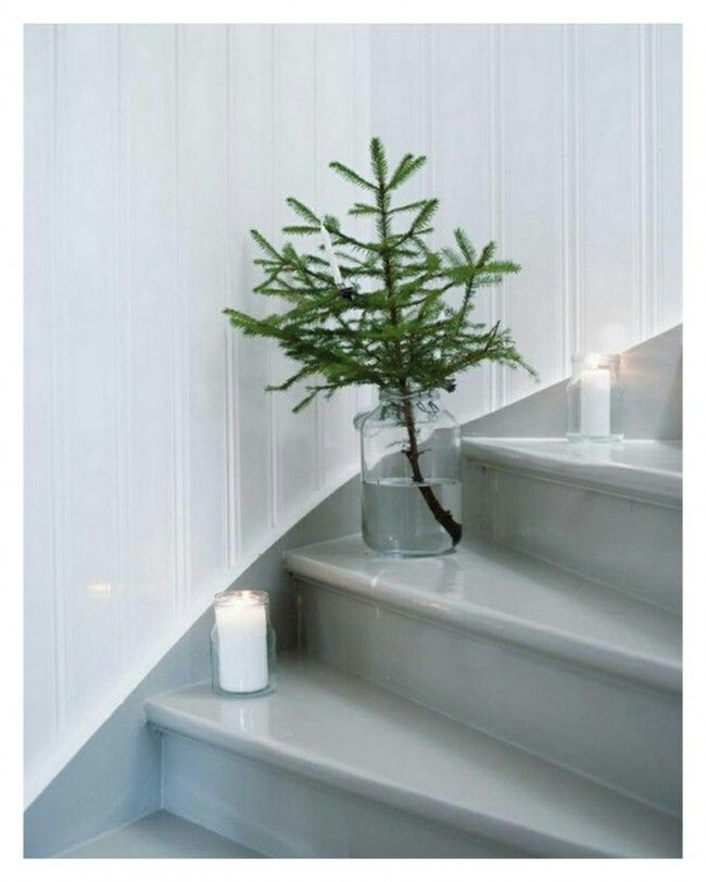 Simple X-mas decoration. Great alternative when you don't have enough space for a big tree.