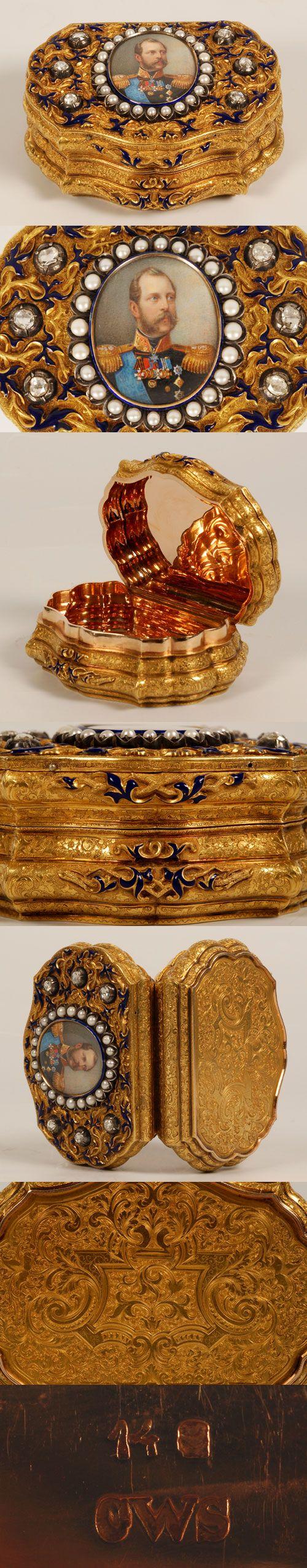 Caja de tabaco de oro y esmalte . Enjoyada, C. Weishaupt und Söhne, Hanau, circa 1860,