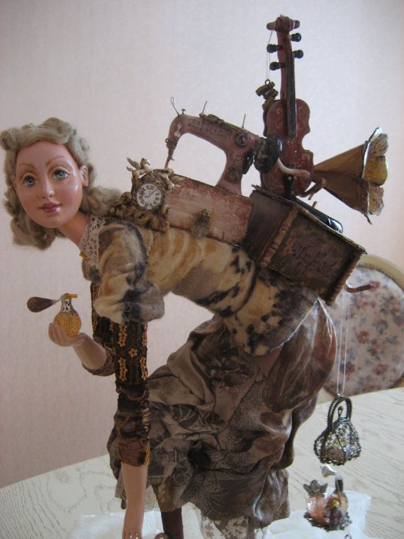 Tornando dal mercato delle pulci. Arte bambola.