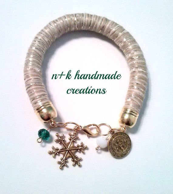 Handmade Christmas beige bracelet. by thenkcreations on Etsy