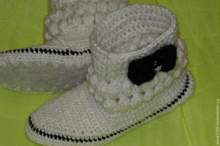 Купить Вязаные сапожки Бантики для дома - шерсть 100%, Вязание крючком, вязание на заказ, вязание