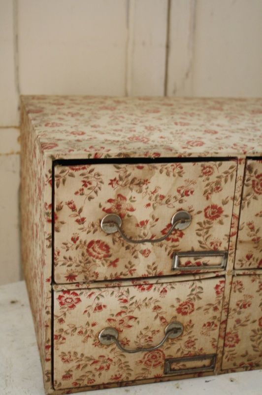 1000+ images about Vintage Covered Boxes on Pinterest
