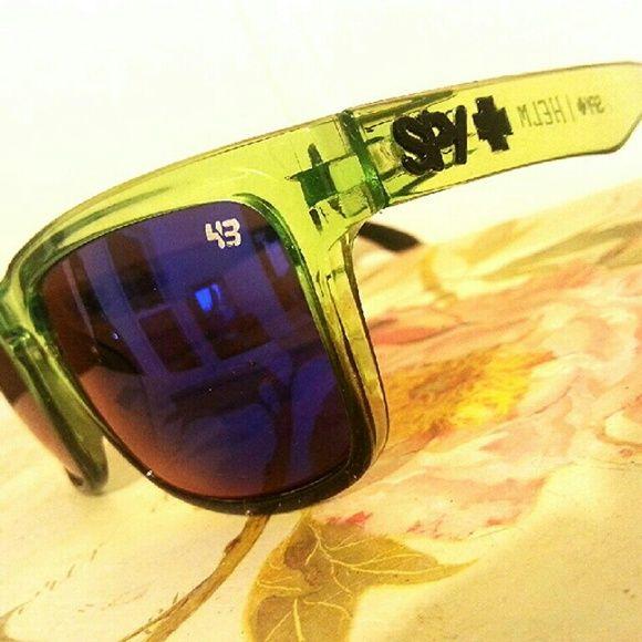 NEW SPY SUNGLASSES Not a single scratch. New sunglasses. Bright blue lenses. Accessories Sunglasses